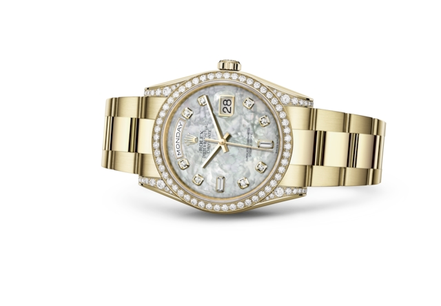 Day-Date 36 - White mother-of-pearl set with diamonds, yellow gold and diamonds